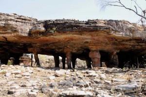 Exterior of Nawarla Gabarnmang (photograph by ben Gunn).